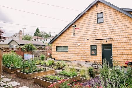 Modern Family-Friendly Laneway House in Riley Park