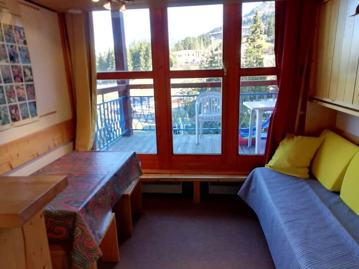 Studio for 3 guests close to the slopes and the amenities with a beautiful view over the slopes - Quiet residence in Charmettoger village in Arc 1800