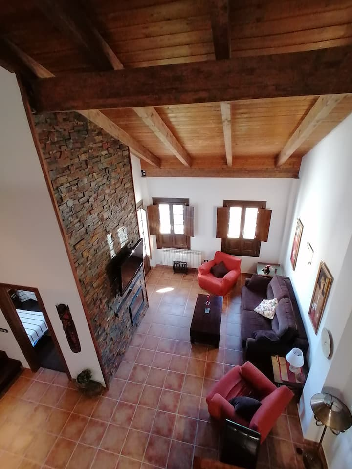 Beautiful duplex with views very close to Jaca.