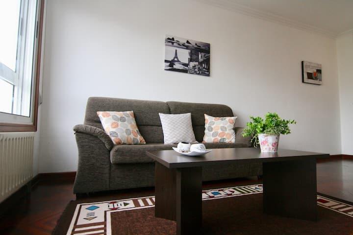 Seis camas, luminoso y funcional en Castelao.