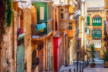 One Bedroom Duplex with Loft - Valletta - Loft