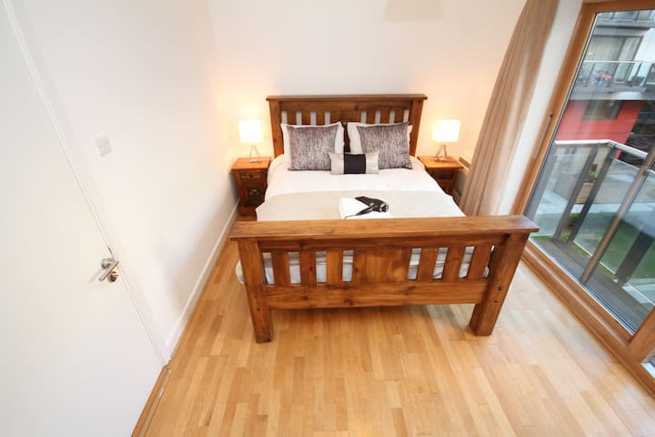 SPECIAL OFFER FOR REVIEWS - Dublin - Apartment