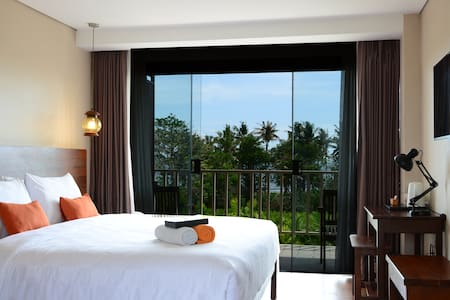 ULTIMO Suite Pool View - Mengwi