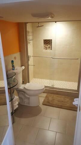 Bathroom Pic of Full Standup Rain Shower