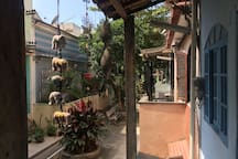 a entrada da casa