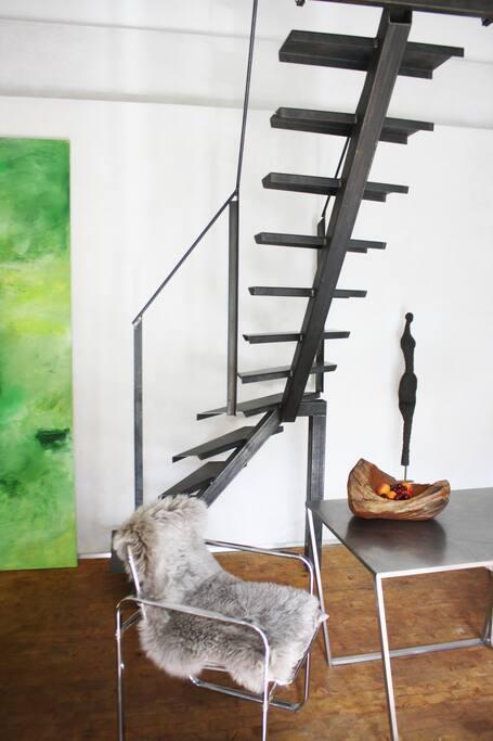 Stahltreppe zur Schlafebene