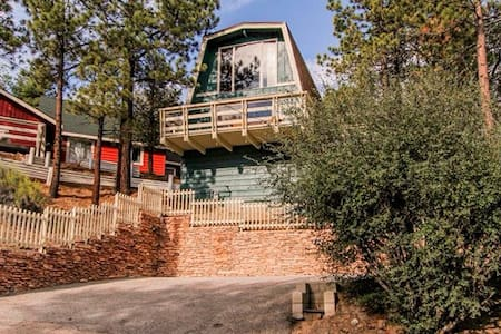 Secluded treetop escape spa view - Big Bear Lake - Kabin