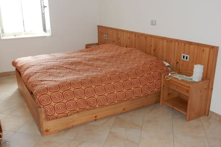 Country style room in agritourism - Brez - Гестхаус