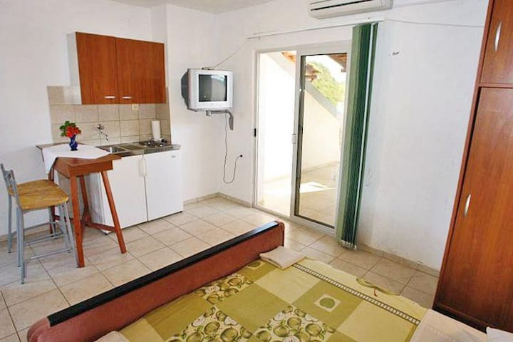 Studio flat near beach Zaklopatica, Lastovo (AS-993-b) - Zaklopatica - Other