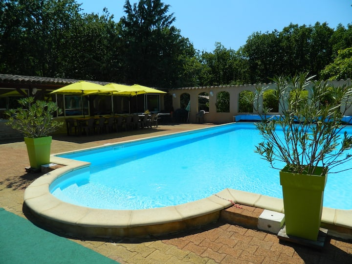 Chambre entre Cahors et st cirq Lapopie, piscine