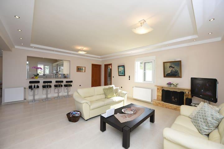 Lovely villa in Paradeisi - Rhodes Island - Huis