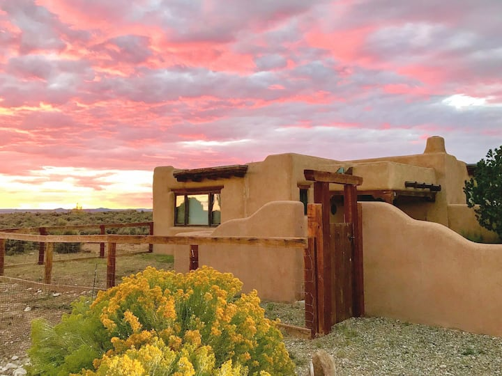 Serene Adobe Home w/ View: Near Slopes, Taos Plaza
