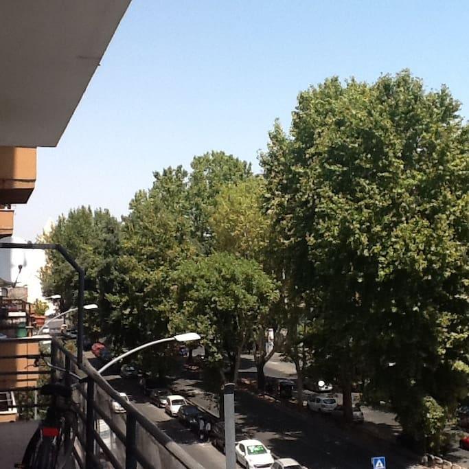 View from the living room, 150 mt from subway - Vista dal soggiorno, 150 mt dalla metro