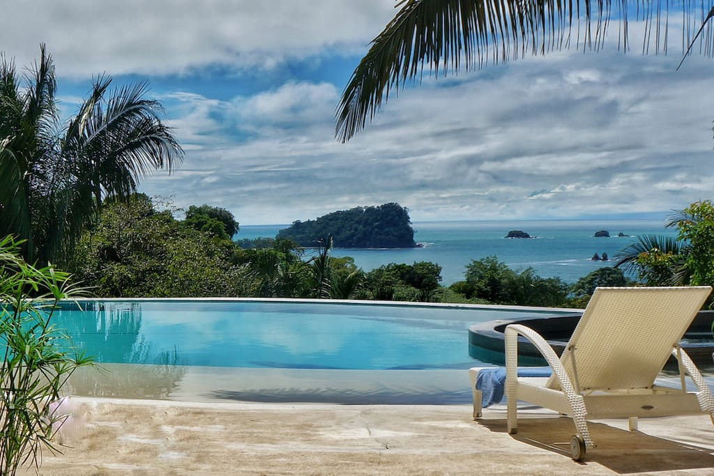 A fully satisfying backdrop of beauty in Manuel Antonio