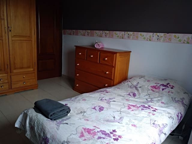 Room privada individual en Gijón,playa Arbeyal .