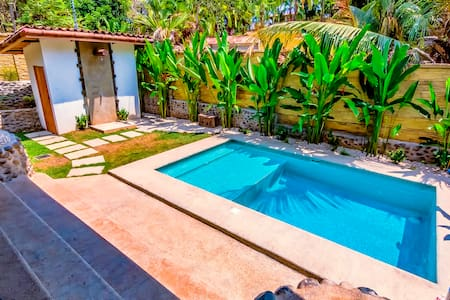 OUTDOOR LIVING!! Private 2 Bedroom Villa with Pool