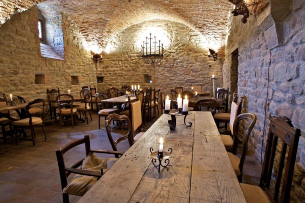 Castello di Ristonchi main banquet hall