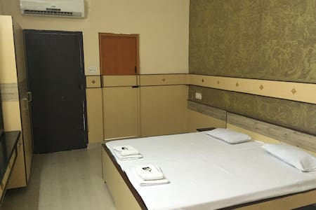 ROYAL CLUB ROOM - 2 BD AC - Coimbatore