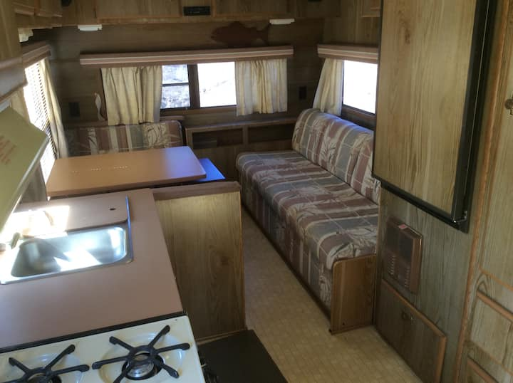 Cozy Country Camper, Pikes Peak View