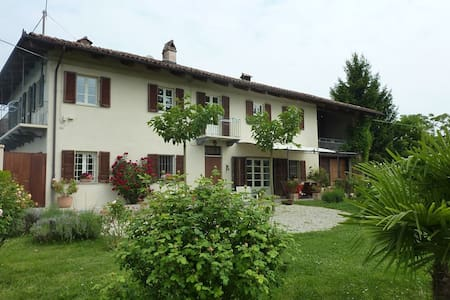 Riviera delle Langhe - Country House with Pool