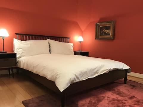 Das rote Zimmer der Villa Jakobsbrunnen