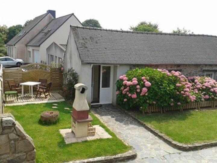 Petite maison à Plérin centre