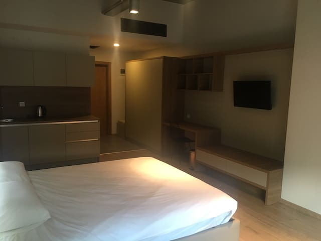 Residence, same facilities with Double Tree Hilton