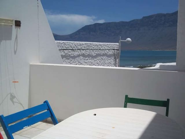 Apartment ABAJO HANGSEIS in Famara for 4 p - Teguise - Byt