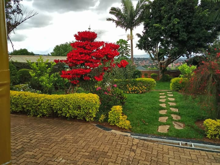 NIce and cosy Kigali Private room near the Airport