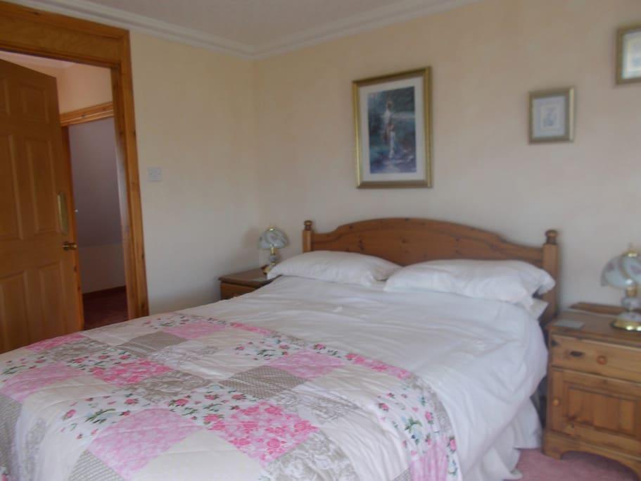 En-Suite bedroom,King size bed