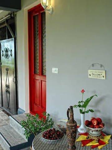 Villa la familia - Makhinjauri - Bed & Breakfast