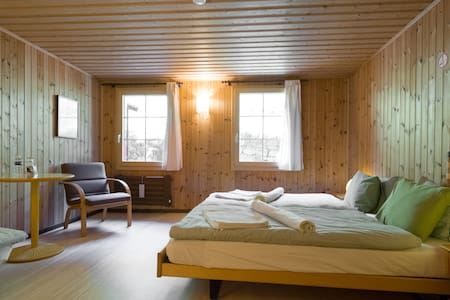 Chalet in Pays d'Enhaut - D - Chambre à louer 1/2p - Rossinière - Bed & Breakfast - 1