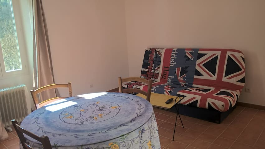 appartement 2 pieces - Entrecasteaux