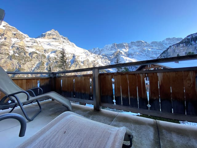 Holiday apartment with big balcony in Gimmelwald