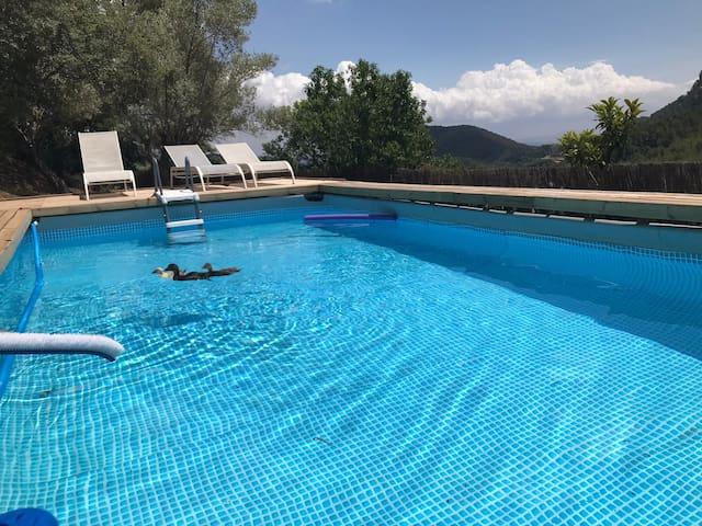 Finca rustica con piscina para reunion familiar