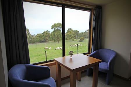 The Bungalow - Partridge Farm - Flinders Island