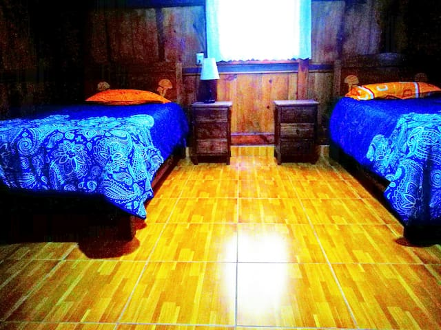 Dormitorio 2, tiene dos camas individuales