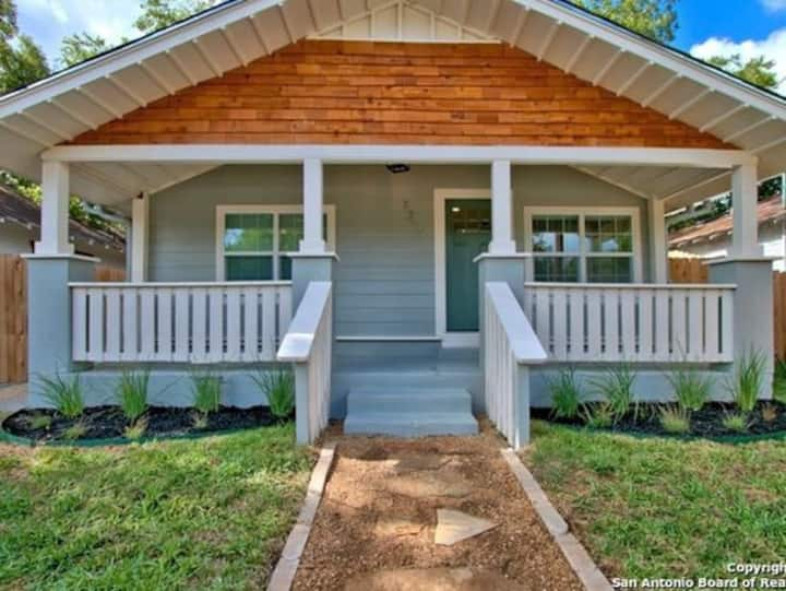 Cute & Cozy Home by Riverwalk, Pearl, AT&T Center