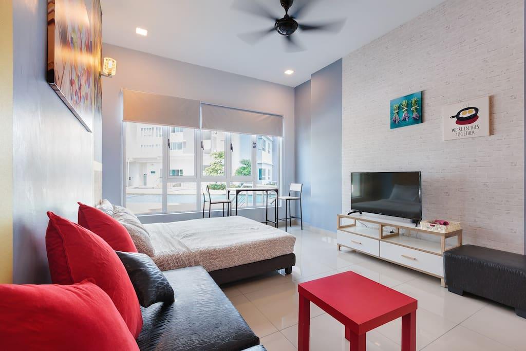 Common Room (Studio design)  - Ultra Soft mattress, guarantee good sleep - 5th Queen Bed (Air-conditional)