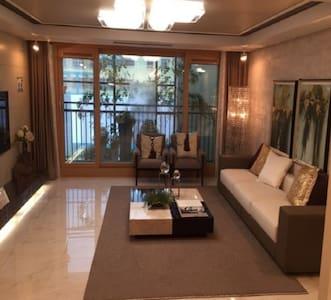 방3개 깨끗한 새아파트. 신분당선 판교역2정거장. 강남까지 22분