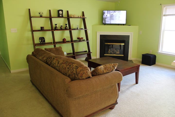 Granny's House! Home Away From Home 3beds 2 baths
