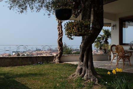 Relax con vista strepitosa - Bardolino
