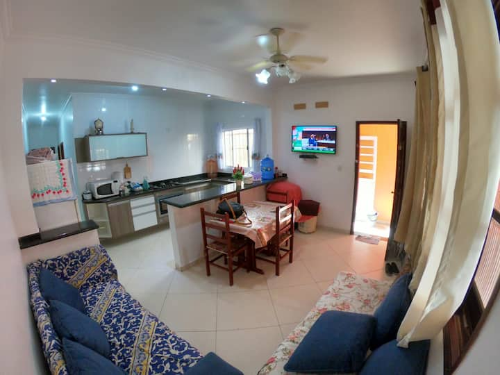 Casa Praia grande a 100m da praia Vila Mirim