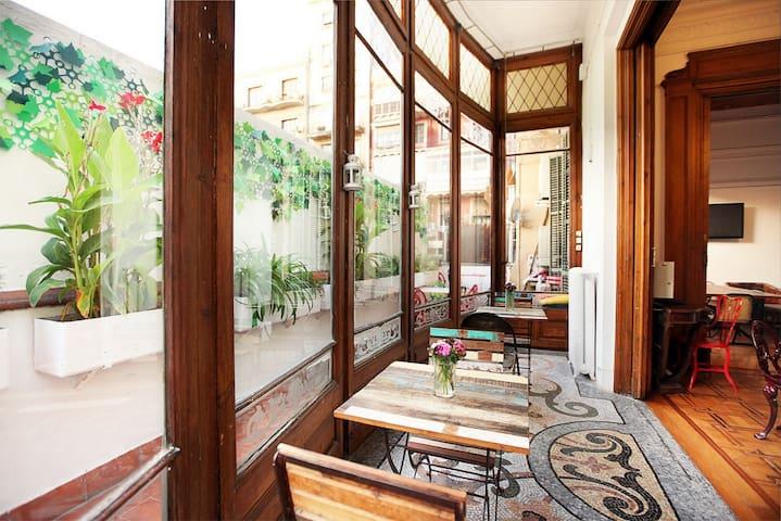 The Hipstel Paseo de Gracia Hostel BED IN DORM 10