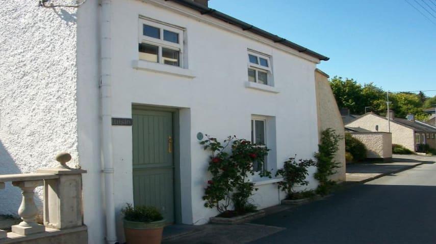 Luisin Cottage