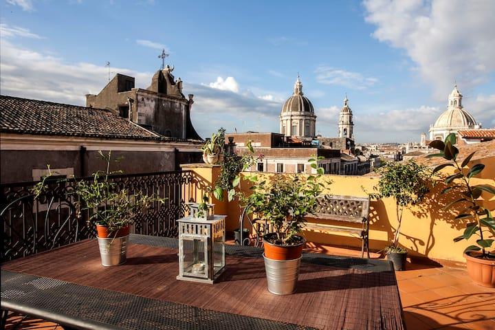 Rooftop apartment close to the main square - Catania - Leilighet