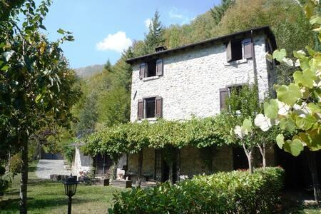 Delizioso rustico in pietra vista Alpi Apuane - Fornovolasco