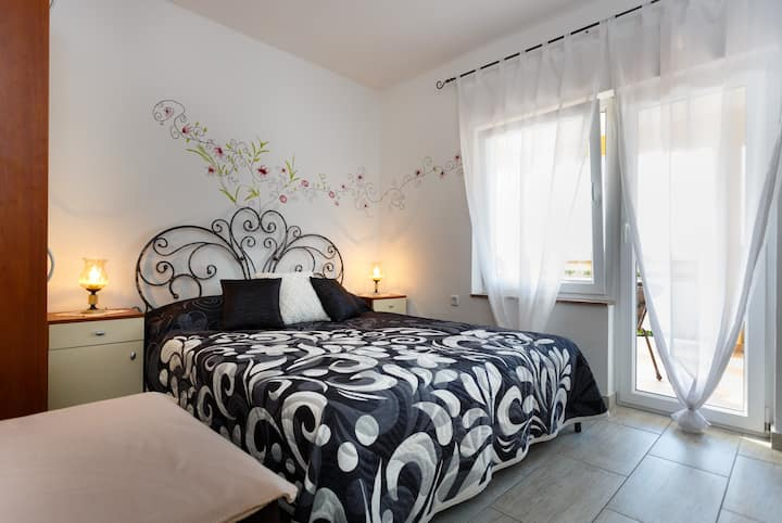 Sara Apartments, new and modern!