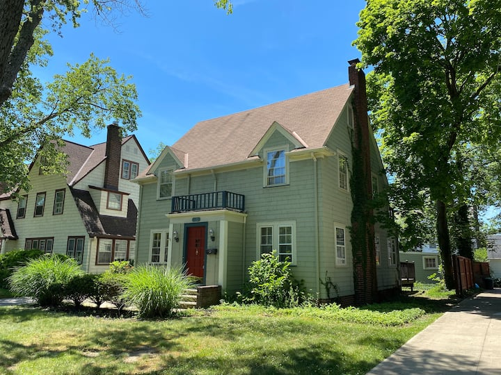 Big House Close to Major Cleveland Work Spots