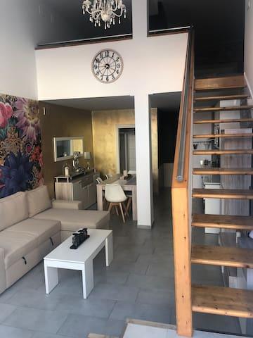 Loft acogedor, precioso, y nuevo. 2 min del centro